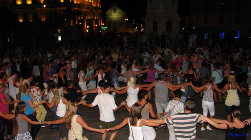 Pécs, Széchenyi tér - Pyrgos táncház